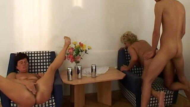 指叩きのプール 若い 女 の エロ 動画