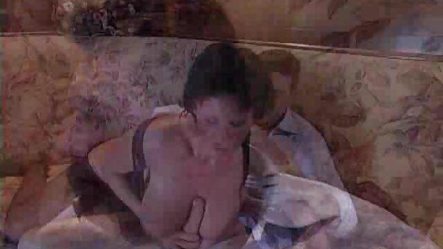ブレードランチャーの後に雌犬の顔 女性 の 為 の エロ 動画