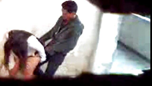 カメラに彼女の赤ん坊のスピニングバズの音で アダルト ビデオ 女性 向け